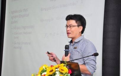 Nobel Kinh tế 2019 và câu chuyện đánh giá chính sách phát triển ở Việt Nam